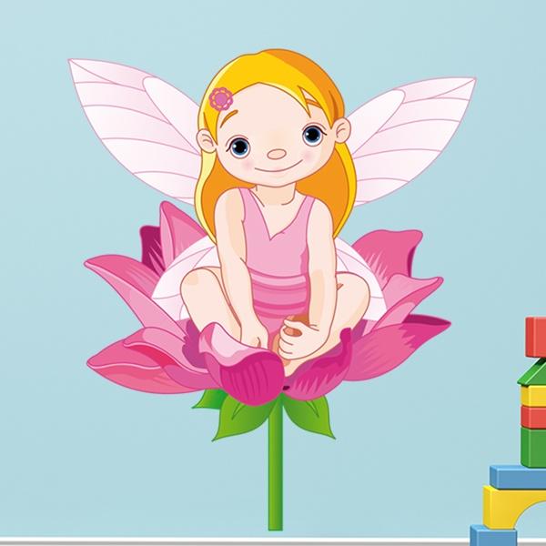 Vinilos Infantiles: Pequeña Hada en una flor