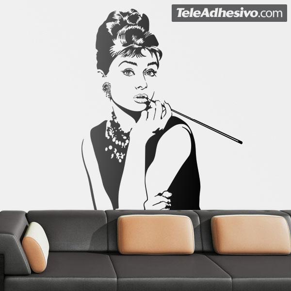 La imagen de Audrey Hepburn puede ser un vinilo original para la decoración de restaurantes.