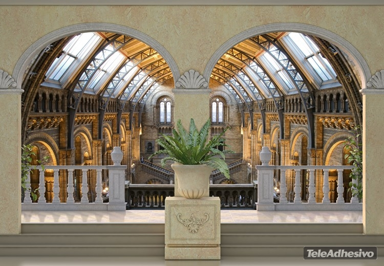 Vinilo adhesivo con la imagen de un trampantojo que imita el interior de un edificio histórico.