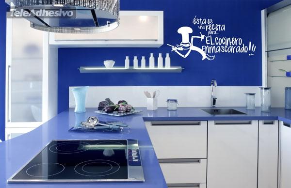 Una vinilo con la imagen del cocinero enmascarado, que es ideal para decorar una cocina