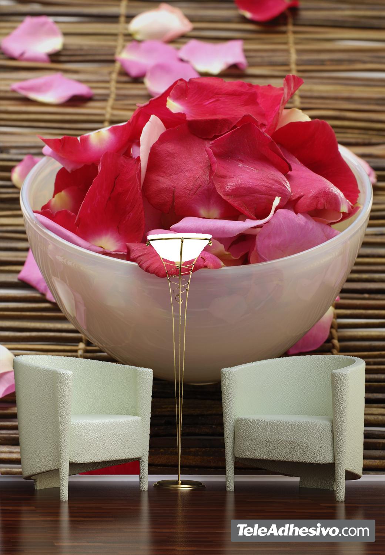 Vinilo adhesivo con una imagen de pétalos para decorar tu hogar