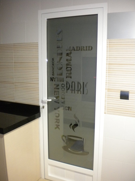 Vinilos para cristal en casa y oficina - Puerta cristal cocina ...