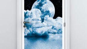vinilos-decorativos-puerta-luna-sobre-el-mar