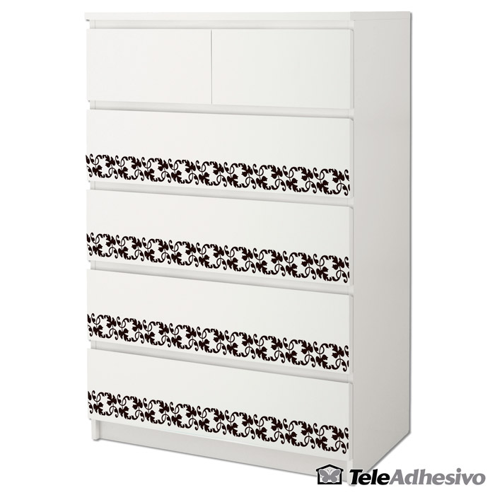 Cómoda blanca Malm de Ikea decorada con cenefa en vinilo