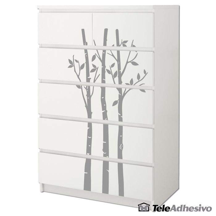 Cómoda Malm de Ikea en blanco, con vinilo decorativo de bambú