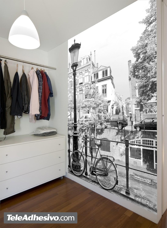 Fotomural bici y farola para tienda de ropa