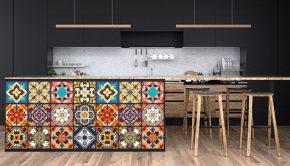 Cajones de cocina deocorados con vinilos de tipo azulejo