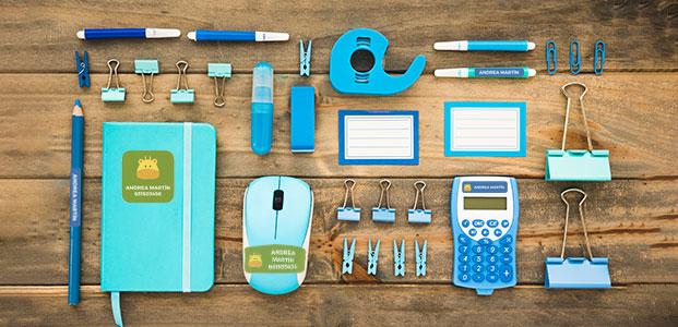 Material escolar para la vuelta al cole con etiquetas personalizadas - Teleadhesivo
