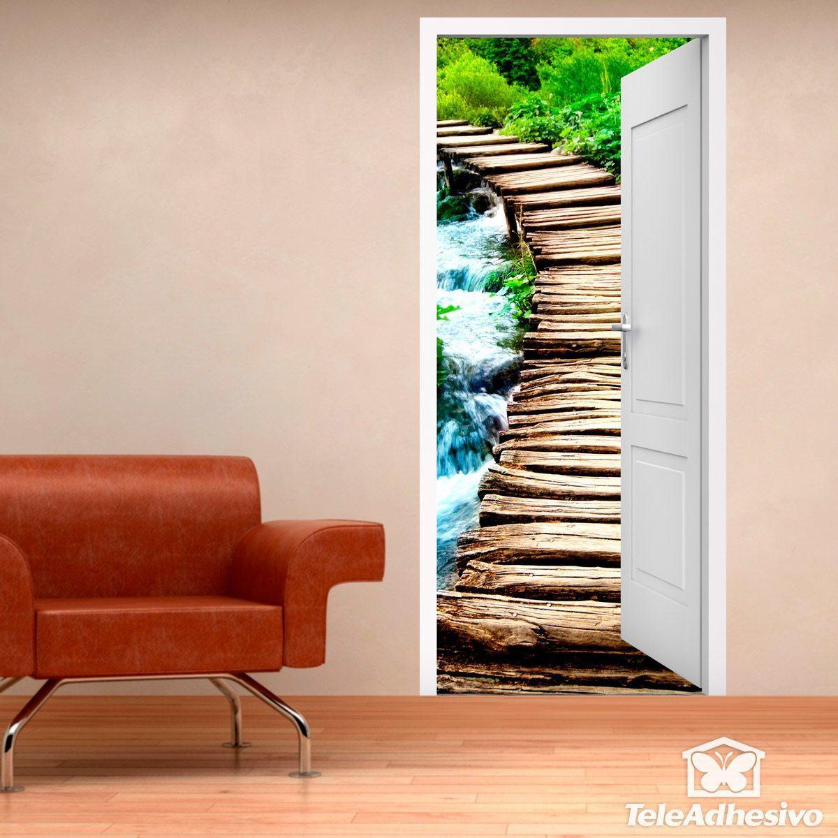 Vinilo decorativo puerta abierta a puente de madera - Vinilos decorativos para puertas ...